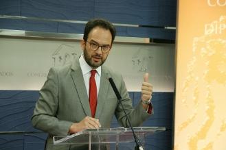 Antonio Hernando en el Congreso de los Diputados. Madrid, 2017. © Ana Cian.