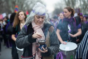 Women attends to International Women's Day demonstration in Madrid on March 8, 2018. (© Ana Cian / MARINA PRESS)